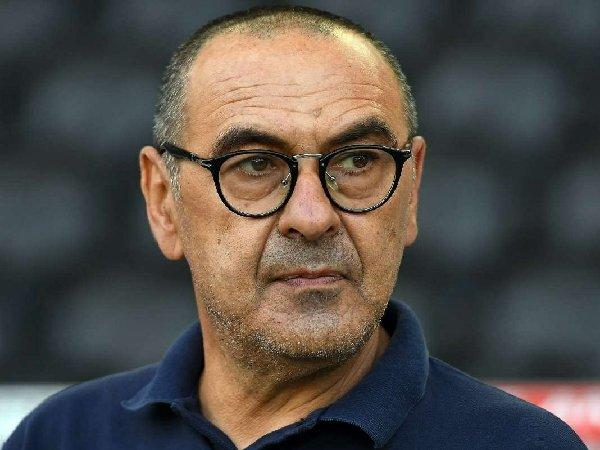 Ketertarikan AS Roma dan Fiorentina terhadap Maurizio Sarri tampaknya bakal sulit tercapai akibat mahalnya gaji sang pelatih.