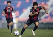 Masih Tertarik, Milan Siapkan Tawaran Baru untuk Boyong Tomiyasu