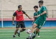 Aji Santoso dan Jajaran Tim Pelatih Persebaya Ikut Internal Game