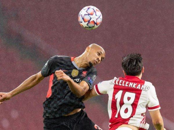 Fabinho membantu Liverpool mencatatkan clean sheet di Johan Cruyff Arena