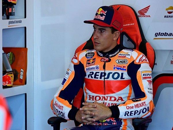 Repsol Honda klarifikasi Marc Marquez tak naik meja operasi untuk kali ketiga.