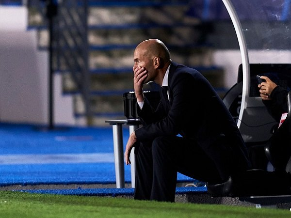Zinedine Zidane diyakini takkan dipecat Real Madrid jika kalah di El Clasico.