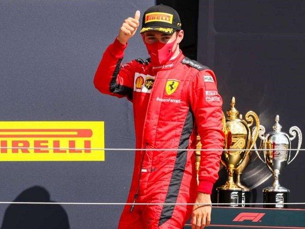Charles Leclerc dipuji karena performa konsistennya di tengah penurunan performa dari Ferrari.