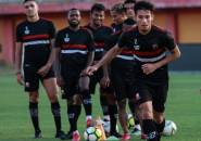Guntur Boyong Keluarga Pulang ke Banyuwangi Karena Latihan MU Diliburkan
