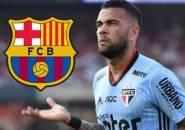 Dani Alves: Barcelona Tidak Punya Keberanian untuk Merekrut Saya