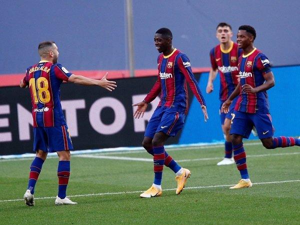 Barcelona gagal bersepakat soal gaji pemain.