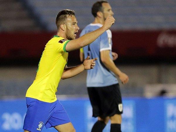 Arthur Melo sukses cetak gol pertama untuk Brasil.