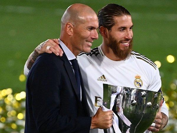 Zinedine Zidane ingin Sergio Ramos bertahan di Real Madrid.