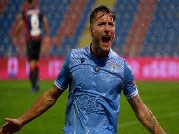 Immobile merayakan golnya ke gawang Crotone