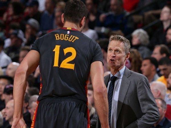 Steve Kerr apresiasi kerja keras Andrew Bogut selama aktif jadi pemain basket profesional.