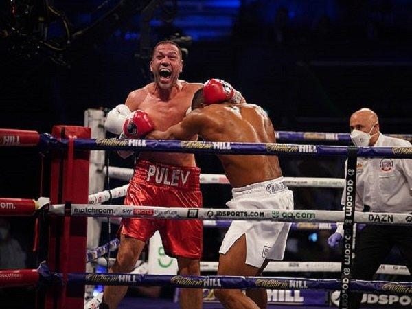 Kubrat Pulev saat melawan Anthony Joshua.