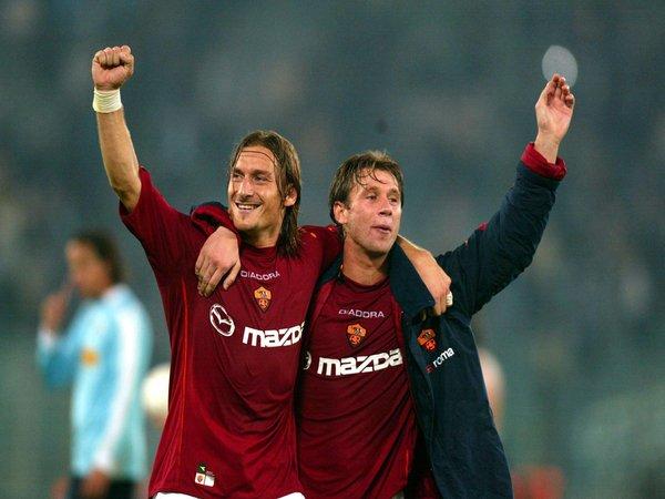 Antonio Cassano membeberkan jika dulu Francesco Totti hampir saja bergabung dengan Chelsea / via Getty Images