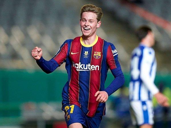 Barcelona mengalahkan Real Sociedad lewat adu penalti.