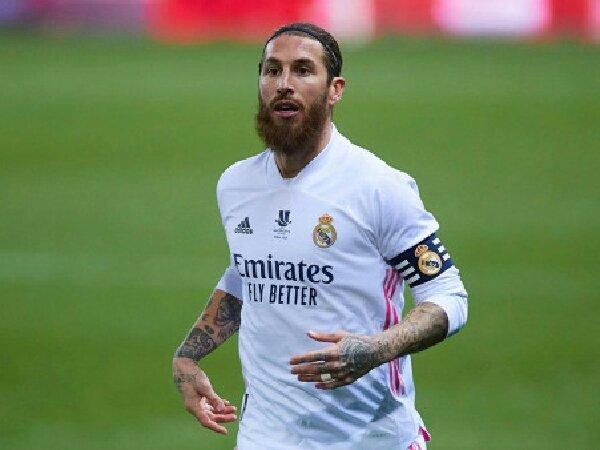 Menolak perpanjangan kontrak dengan Real Madrid, Sergio Ramos ingin ke MU