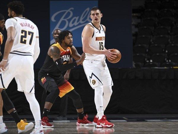 Nikola Jokic jadi kunci kemenangan Denver Nuggets atas Utah Jazz.