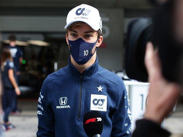Pierre Gasly jadi pebalap F1 keenam yang tertular COVID-19.