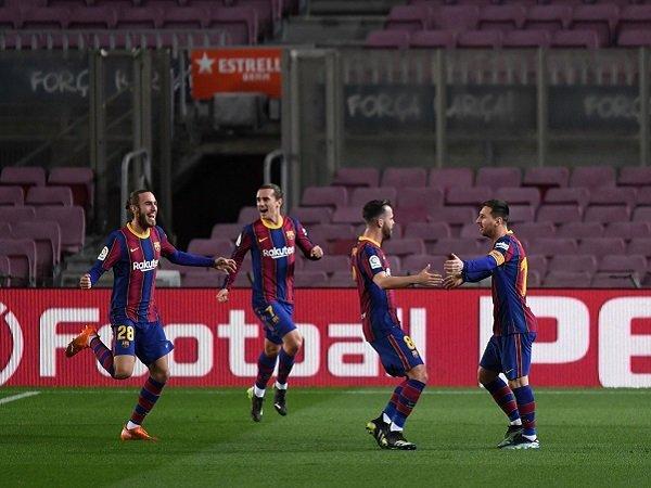 Ronald Koeman percaya bahwa Barcelona telah mengalami perbaikan dalam hal performa.