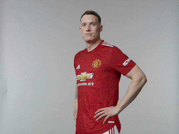 Solskjaer mengaku bersimpati pada Phil Jones yang absen lama dari Manchester United karena cedera