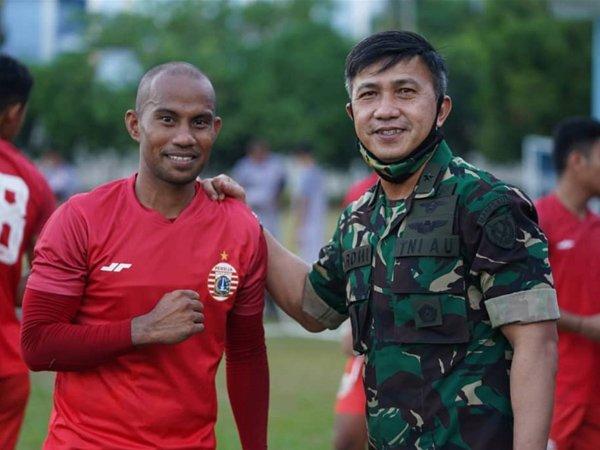 Rinto Ali (kanan)