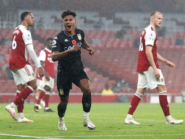 Arsenal berhadapan dengan Aston Villa dalam lanjutan Premier League.
