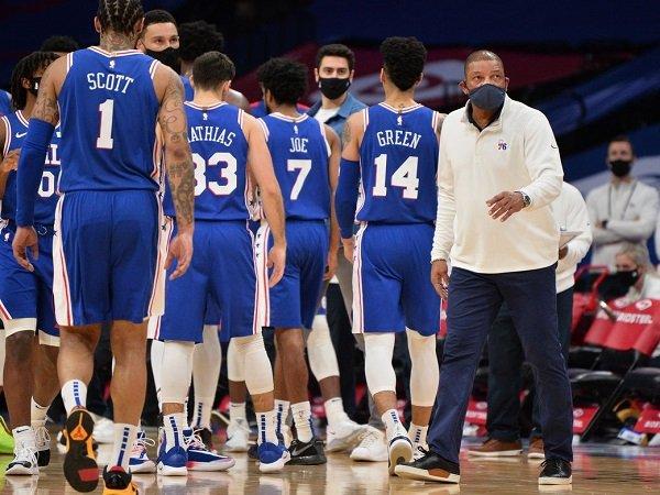 Doc Rivers ingatkan Philadelphia 76ers untuk terus bermain konsisten.