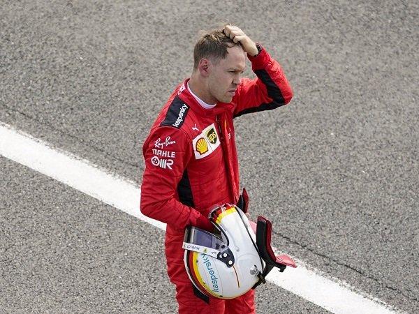 Sebastian Vettel akui kondisi garasi Ferrari buatnya gagal tampil maksimal musim lalu.