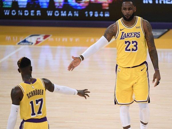 Kehadiran Dennis Schroder dalam skuat Lakers buat LeBron James senang.