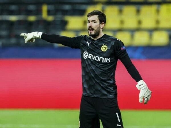 Borussia Dortmund ingin cari kiper baru untuk gantikan Roman Burki