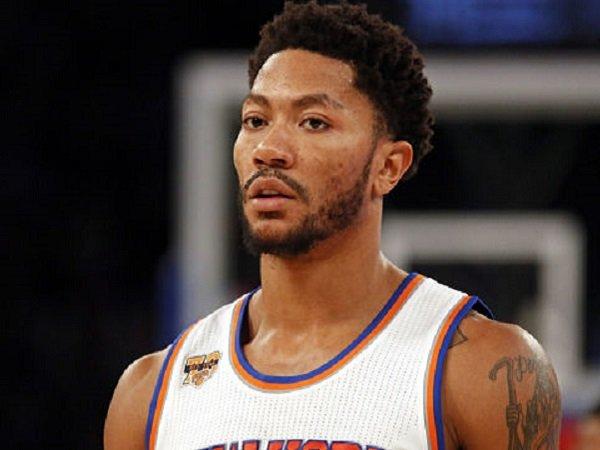 Derrick Rose telah resmi kembali ke New York Knicks.