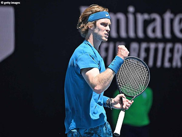 Andrey Rublev melaju ke babak kedua Australian Open 2021
