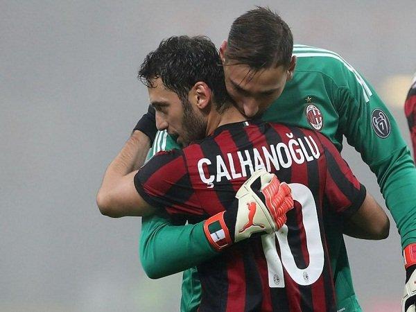 Duo Milan Gianluigi Donnarumma dan Hakan Calhanoglu