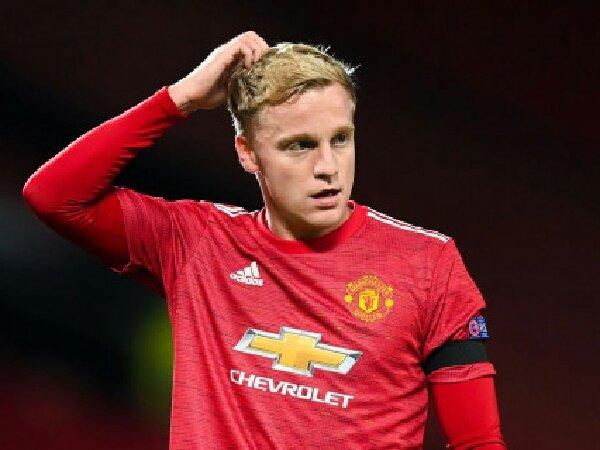 Dwight Yorke sarankan Donny van de Beek untuk tinggalkan Manchester United
