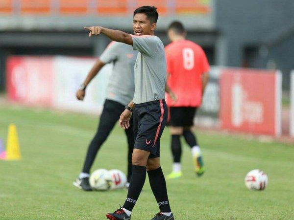 Asisten pelatih Borneo FC, Achmad Amiruddin