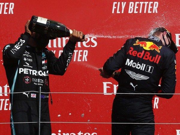 Max Verstappen dinilai Nico Rosberg jadi satu-satunya pebalap yang berpotensi mengalahkan Lewis Hamilton.