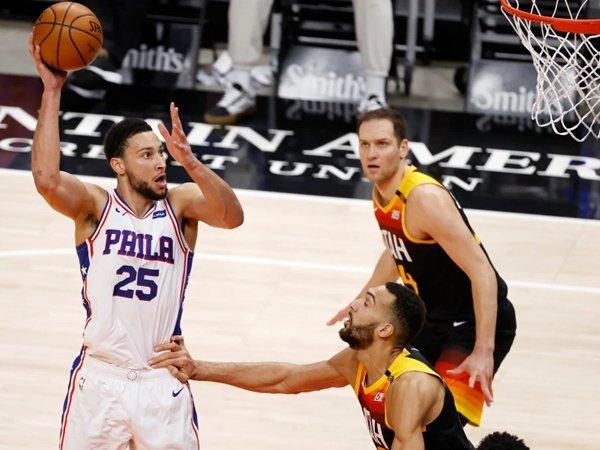 Ben Simmons dan Sixers alami kekalahan ketiga beruntun di tangan Jazz. (Gambar: USA Today Sports)