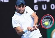 Hasil Australian Open: Petenis Peringkat 114, Karatsev Torehkan Tinta Emas