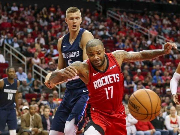 Laga Mavericks dan Rockets diundur karena cuaca buruk di Texas. (Gambar: USA TODAY Sports)