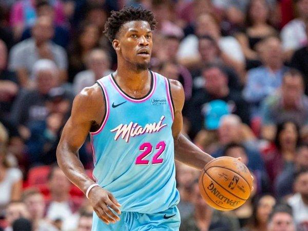 Jimmy Butler tetap positif untuk Heat. (Gambar: Miami Herald)