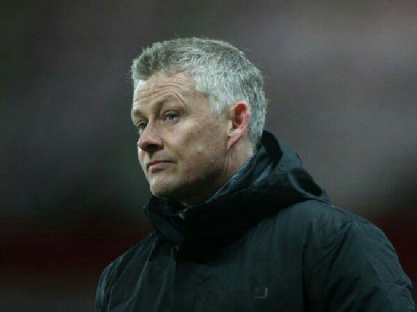 Ian Wright dorong Manchester United untuk rekrut striker murni.