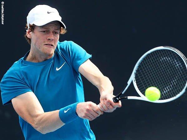 Langkah Jannik Sinner langsung terhenti di babak pertama Open Sud de France 2021