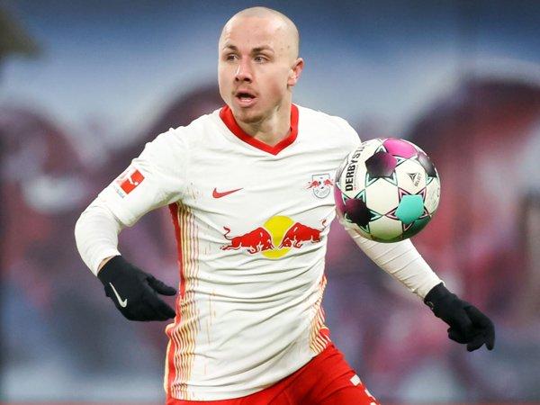 Bek kiri RB Leipzig, Angelino.