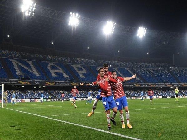 Kesuksesan Granada menyingkirkan Napoli di babak 32 besar Liga Europa disanjung habis oleh Diego Martinez / via EPA