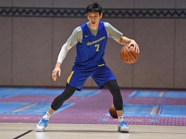 Jeremy Lin sakit hati keturunan Asia kerap dilecehkan.