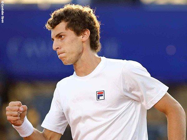 Juan Manuel Cerundolo terpaut satu kemenangan lagi dengan gelar turnamen ATP pertama dalam kariernya
