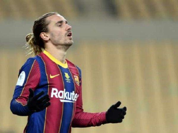 Penyerang Barcelona, Antoine Griezmann tidak dimainkan Ronald Koeman saat melawan Sevilla.