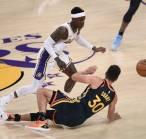 Kalah Telak Dari Lakers, Stephen Curry: Mereka Masih Dendam!
