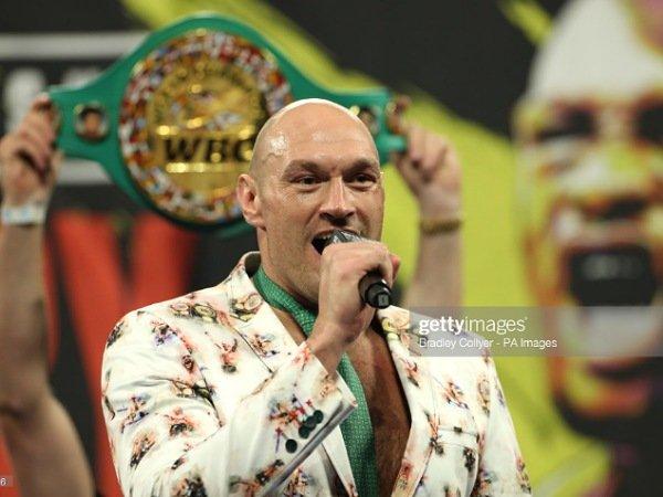 Kesepakatan pertarungan antara Tyson Fury dan Anthony Joshua hampir tercapai