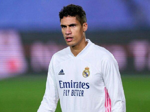 Real Madrid beri lampu hijau pada MU untuk rekrut Raphael Varane