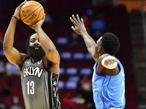 Bintang Brooklyn Nets, James Harden saat melawan Houston Rockets (Images: Getty)