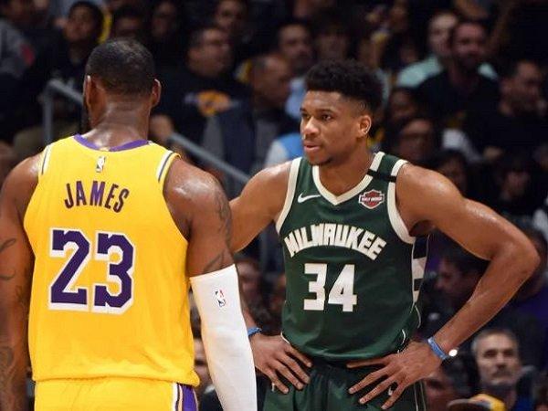Giannis Antetokounmpo dan LeBron James. (Images: Getty)